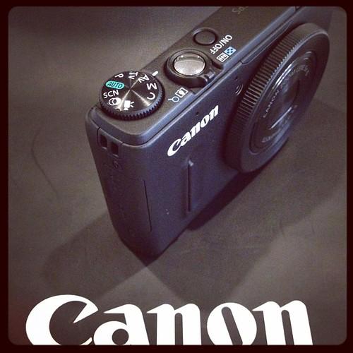 Canon Powershot S100 unbox