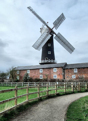 Skidby Windmill by Sarah L Couzens