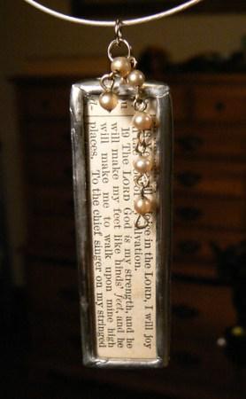 Habakkuk 3:18-19 pearl dangle soldered pendant