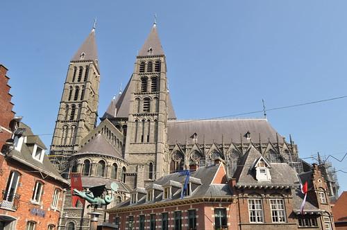 2011.09.25.112 TOURNAI - Vieux Marché aux Poteries - Cathédrale Notre-Dame de Tournai