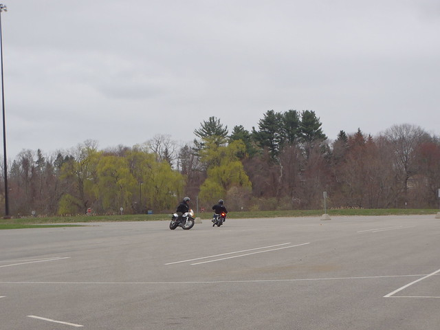 Lunch break tomfoolery: TW200 chases a Honda Rebel
