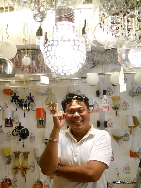 Binondo Shopping for Fixtures and Lighting (37)