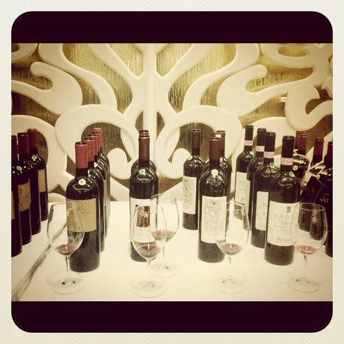 Simply Italian Great Wines Asia Tour 2011 Singapore - Istituto del vino italiano di qualita grandi marchi guided wine tasting