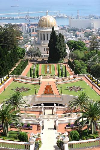 Baha'i gardens in Haifa 23.jpg