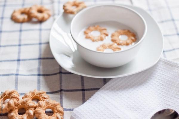 Milk & Bucaneve Cookies