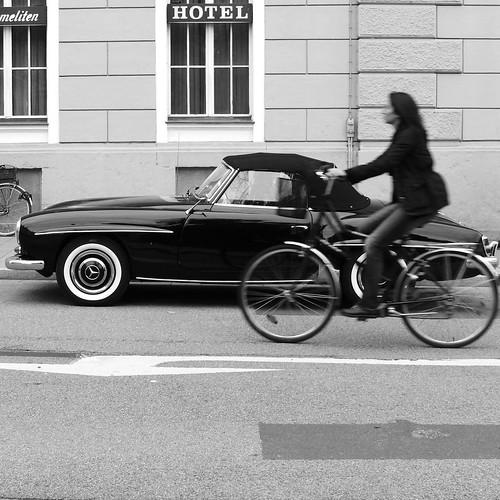 Mercedes-vs.-bicycle
