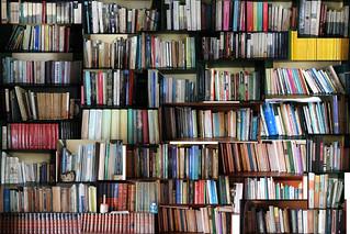 Libros, de Jorge Mejía Peralta (Flickr)