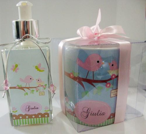 Sabonete líquido e Caneca personalizada -Giulia by by Luciana Godoy - Lembrancinhas Personalizadas