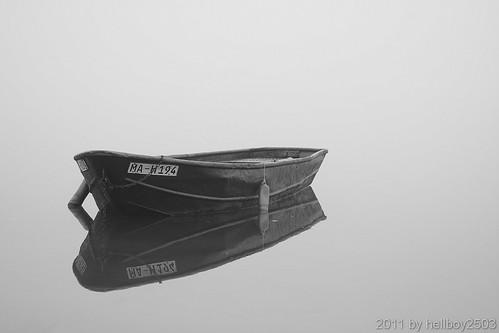 Boot im Nebel by hellboy2503