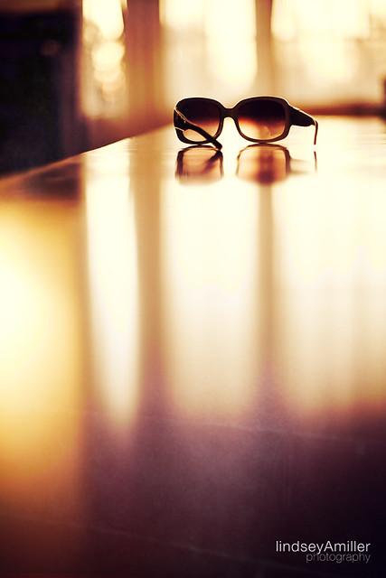 241 - sunglasses, with sun