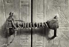 Unbroken Seal on the Third Shrine of Tutankhamun, 1924, by Harry Burton (courtesy Metmuseum.org)