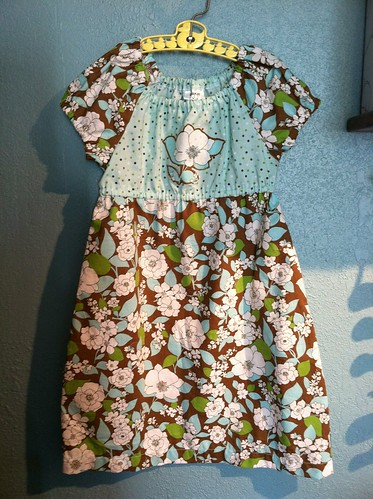 peasant dress blue dots/flowers