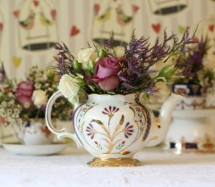 tea pot with flowers vintage wedding flowers
