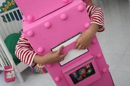 pink robot - DIY