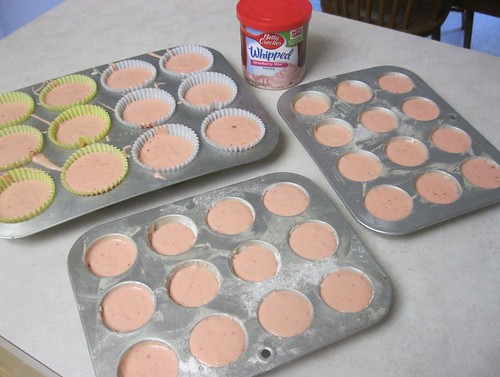 Baking Strawberry Cupcakes