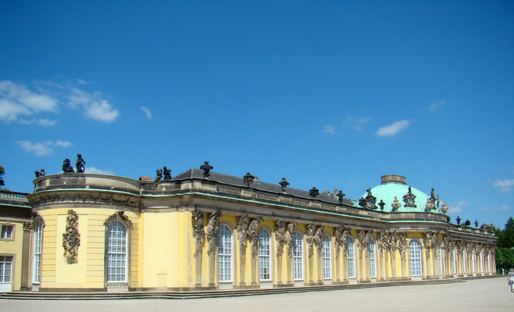 fachada exterior Palacio Sanssouci Potsdam Alemania 01