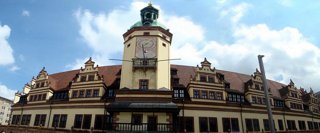 Antiguo Ayuntamiento reloj edificio Leipzig Alemania 02