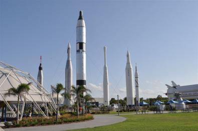 Cohetes en el complejo de la NASA El último viaje del Transbordador Espacial desde Cabo Cañaveral El último viaje del Transbordador Espacial desde Cabo Cañaveral 5922915336 fea077cec8 o
