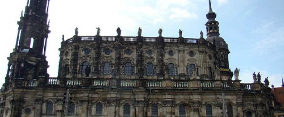 panoramica Catedral de la Santísima Trinidad o Hofkirche-Dresden Alemania 06