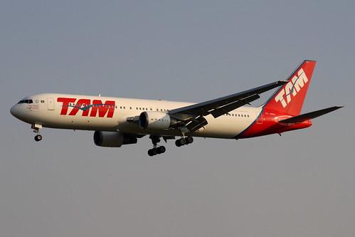 Boeing 767-300ER da TAM @ SBGR