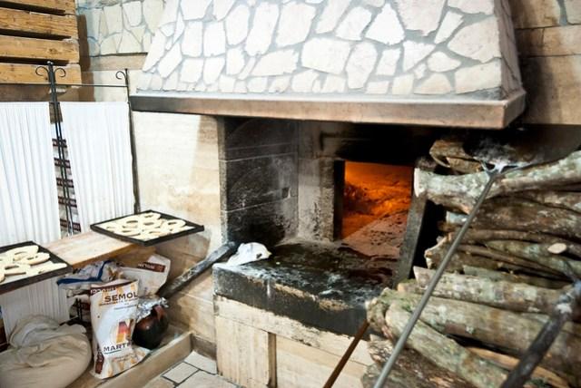 De van oorsprong middeleeuwse oven van Forno di Santa Chiara