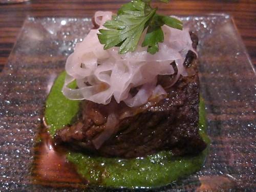 Costilla de res con salsa verde