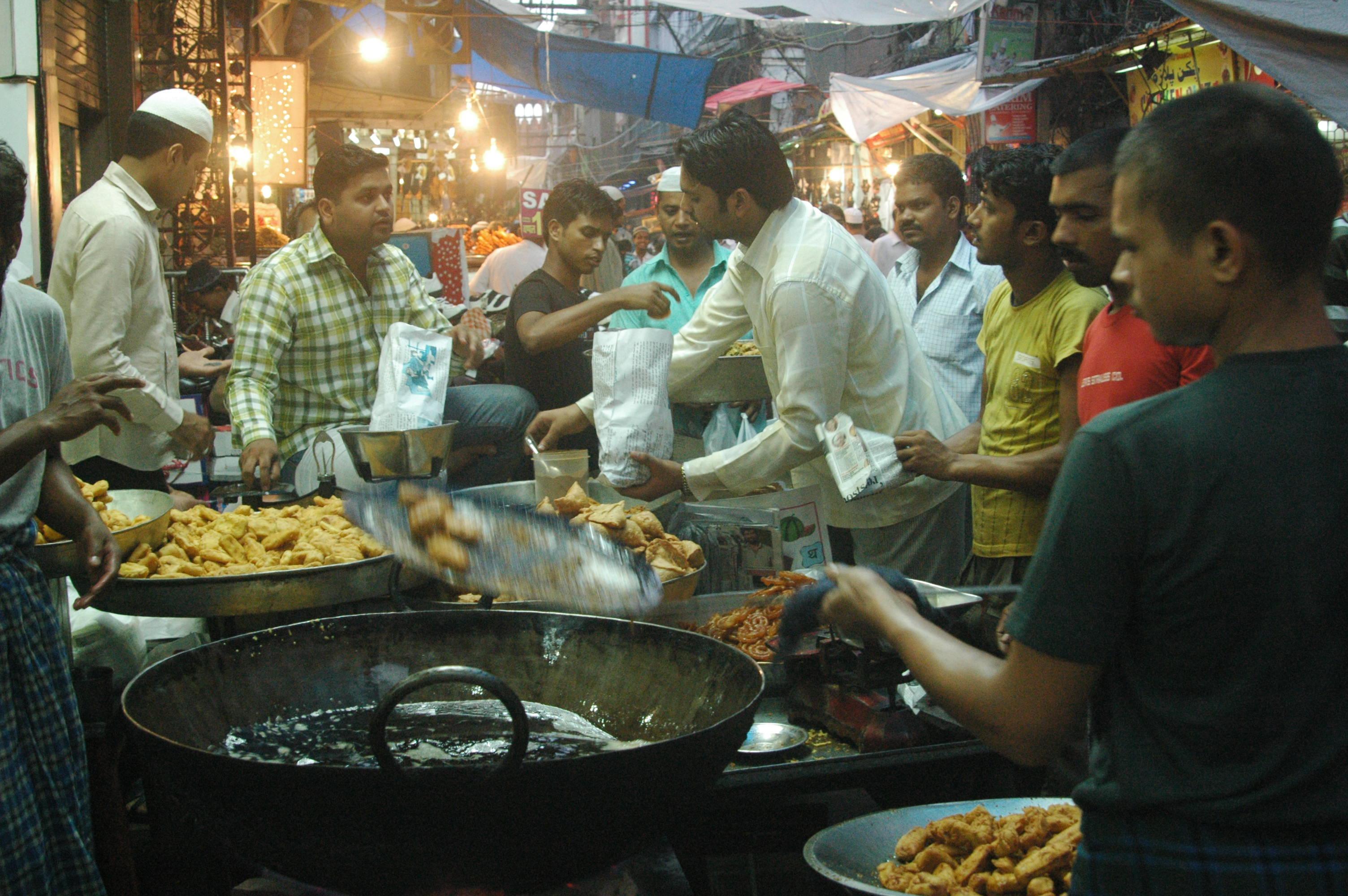 Markets are buzzing with foodie corners, like this bhajiyawala