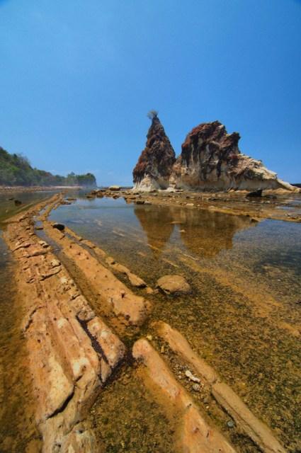 wisata pantai sawarna