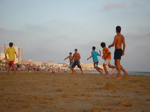 fútbol en la playa
