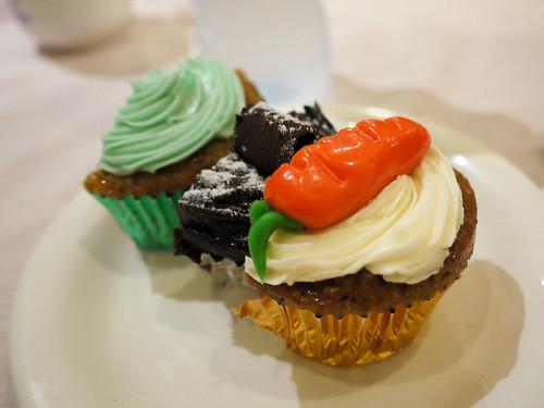 Various cupcakes at Monsee's