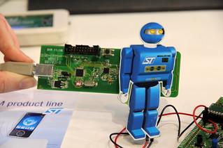 Le robot démo M24LR16E (c) ST