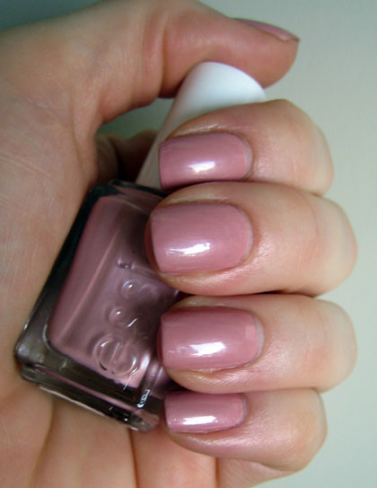 essie-lion-around