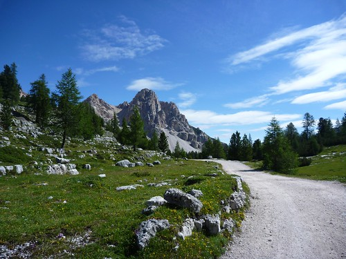 Trail from Fanes to Lavarella