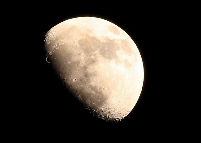 Moon - 04/01/12