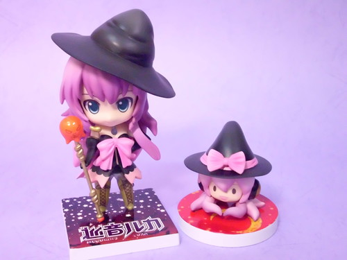 Nendoroid Megurine Luka and Tako-Luka (Witch style)
