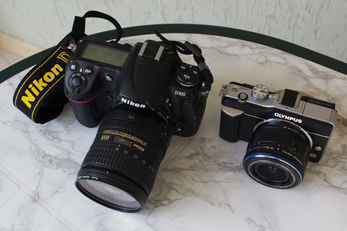 Olympus E-PL1 y Nikon D300