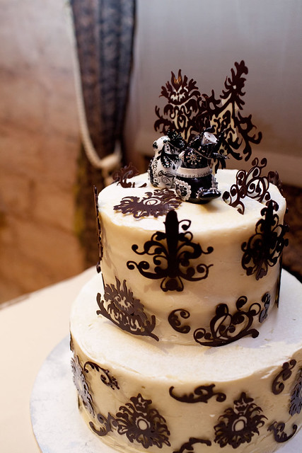 Goth cake toppers for your dark wedding tastes Offbeat Bride