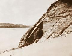 Abou-Sembil - grand spéos - vue prise de la coulée de sables, 1851-2, by Félix Teynard