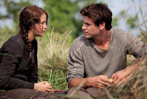 The Hunger Games - Jennifer Lawrence and Liam Hemsworth