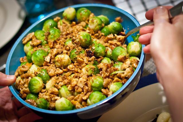 Lekker bij de wild zwijn stoofpot: spruitjes met broodkruim en walnoten @ Flickr