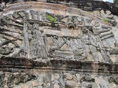 Porta de Santiago detail