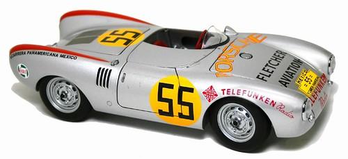AutoArt Porsche 550 Panamericana