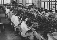 [Women working in the Pinion Department at Bul...