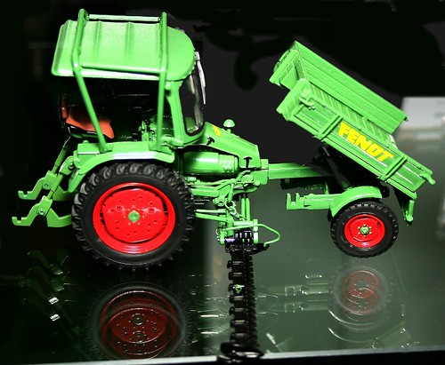Univ.Hobbies Fendt 231 GT
