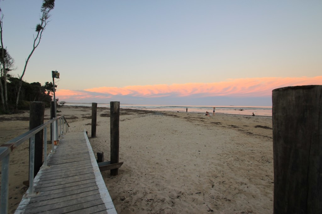 Mojo Surf Camp- Coffs Harbour, Australia