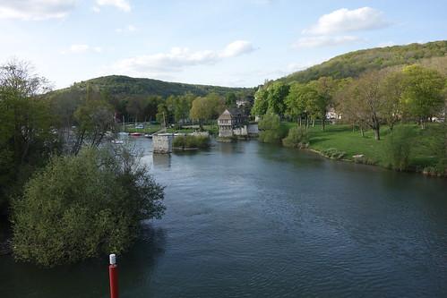 Nous devinons un ancien pont sur notre route pour Giverny.