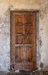 king zog's door