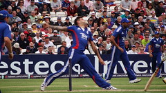 Jay Dernbach letting fly a fast ball