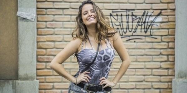 """Atriz de """"Malhação"""" diz que periguete Nanda a tornou mais autoconfiante"""
