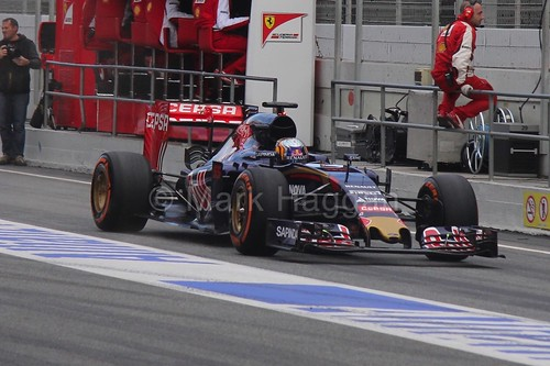 Carlos Sainz Jr in his Toro Rosso in Formula One Winter Testing 2015